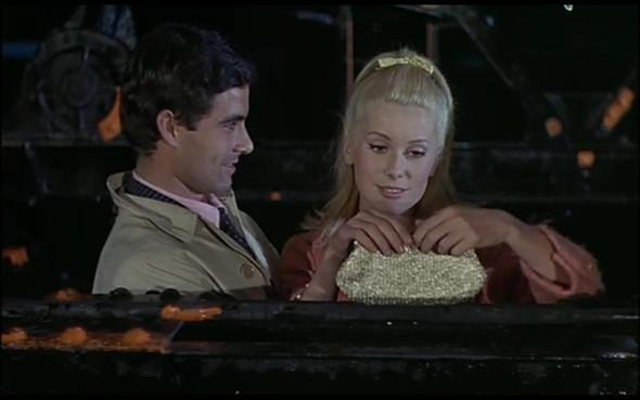 Movie-Looks: «Шербурские зонтики». Изображение № 5.