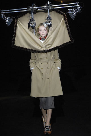 Viktor & Rolf fall-winter '07–08. Изображение № 1.