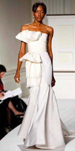 """""""Выбираем свадебное платье!"""" 93 идеи ведущих дизайнеров. Изображение № 35."""