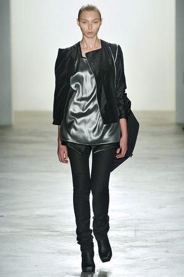 Дизайнер РадХурани: черный – самый правильный цвет. Изображение № 57.