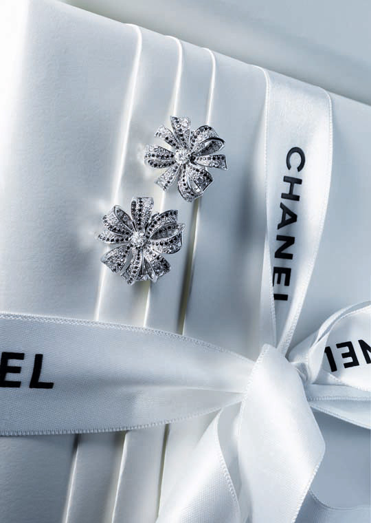 Лукбук: Chanel Haute Joaillerie Holiday 2011. Изображение № 1.