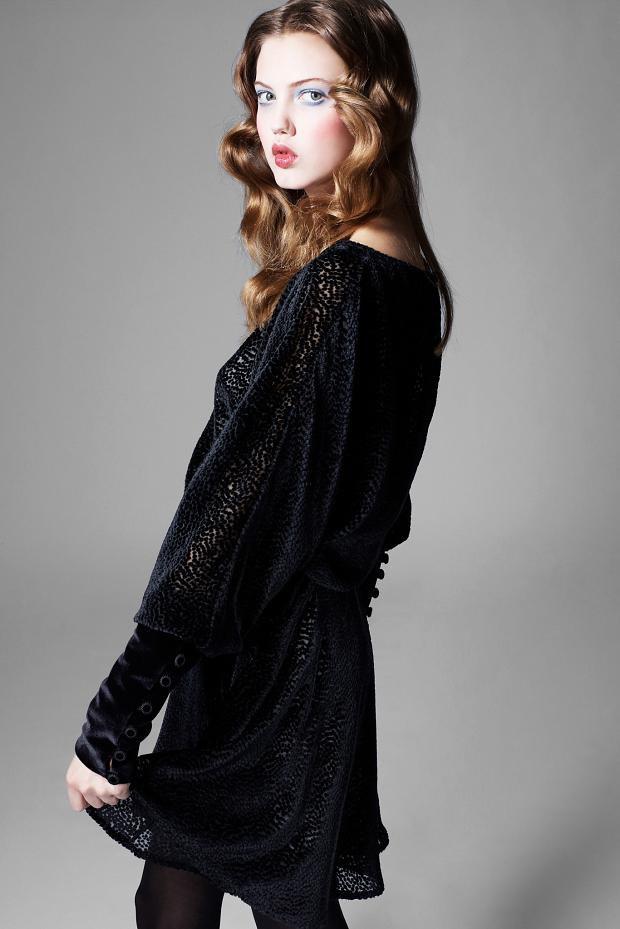Показаны новые лукбуки Balenciaga, Chanel и Zac Posen. Изображение № 42.