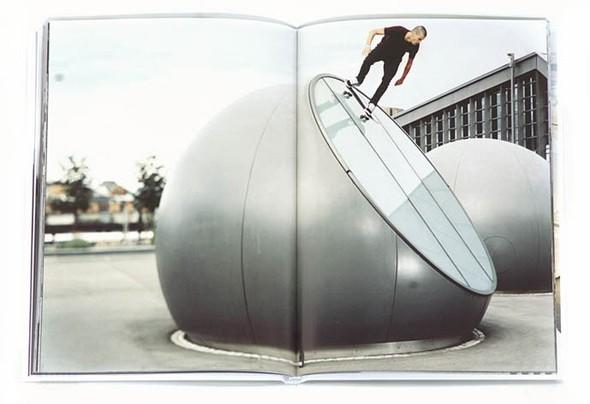 10 альбомов о скейтерах. Изображение №29.