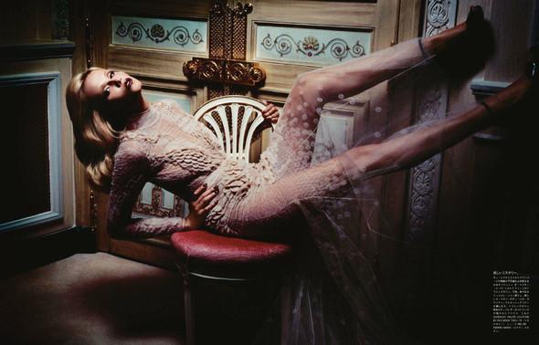 Съёмка: Наташа Поли для японского Vogue. Изображение № 3.