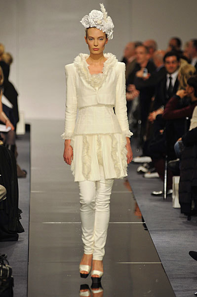 Chanel Spring 2009 Haute Couture. Изображение № 65.