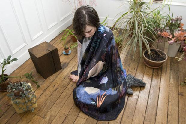 Завязать: 11 марок платков с принтами. Изображение № 68.