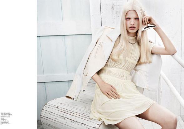 Съёмка: Дафне Гренвельд для Vogue. Изображение № 4.