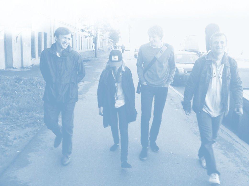 Слева направо — Александр Зайцев (гитара), Александра Захаренко (барабаны), Кирилл Иванов (вокал), Илья Барамия (бас-гитара). Изображение № 2.
