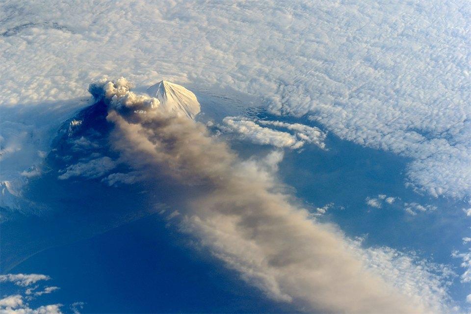 Как выглядит из космоса извержение вулкана. Изображение № 4.