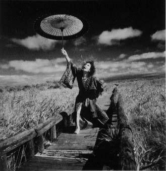 Еще восемь фотографов сюрреалистов. Изображение № 133.