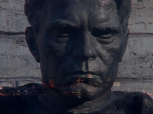 Памятник поверженный: что делают с памятниками современные художники. Изображение № 1.