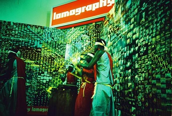 Этовам неигрушки! ИлиЛомография наФотоярмарке'09. Изображение № 59.
