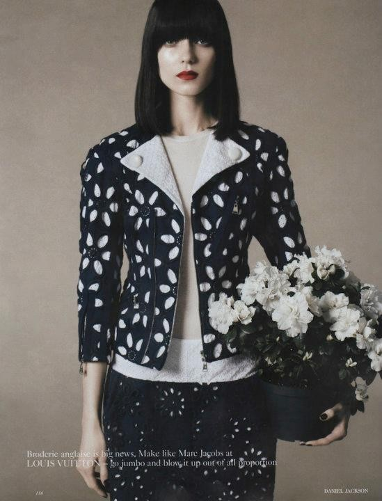 Съёмка: Дэниел Джексон для британского Vogue. Изображение № 13.