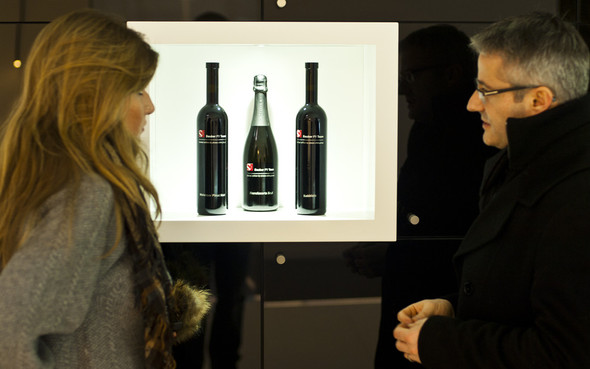 Plozza Wine Group & Sauber F1 Team - спортивный дизайн в вине. Изображение № 3.