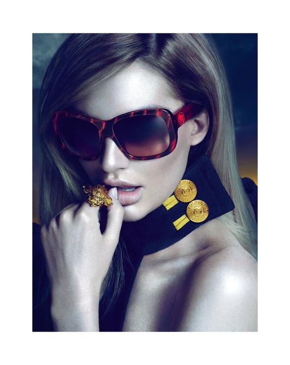 Превью кампаний: Hermes, Stella McCartney и Versace. Изображение № 3.