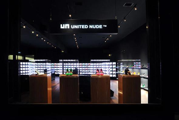 Новый, ультра-темный магазин United Nude в Нью-Йорке. Изображение № 4.