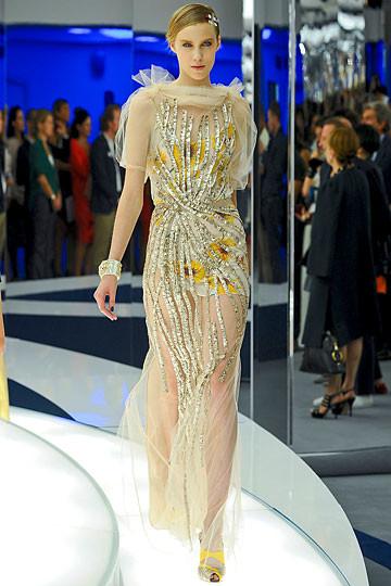 Модный дайджест: Джеймс Франко для Gucci, сари Hermes, сингл Burberry. Изображение № 7.