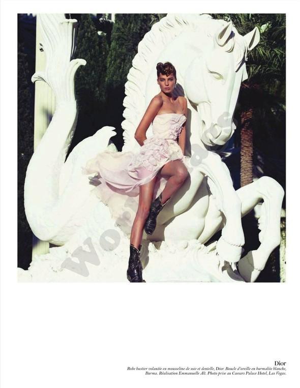 Съёмка: Дарья Вербова для французского Vogue. Изображение № 22.