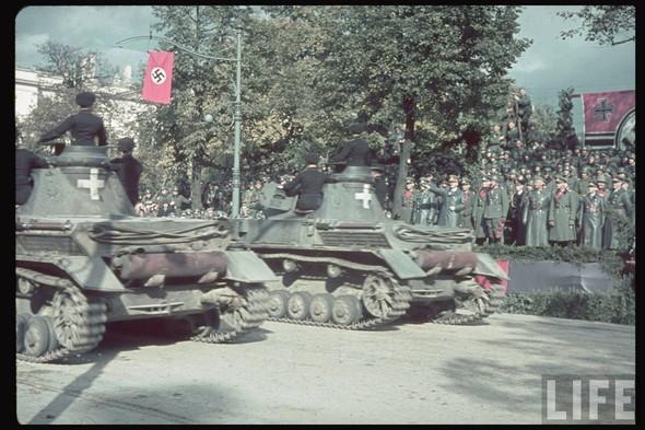100 цветных фотографий третьего рейха. Изображение №78.