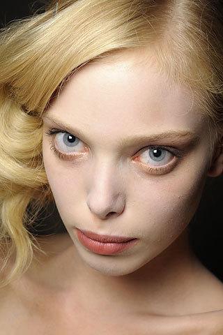 Tanya Dziahileva чистое сияние красоты. Изображение № 2.