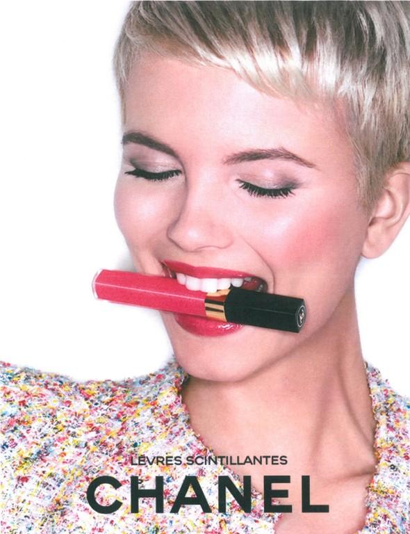 Превью кампании: Моника Ягачак и Мерете Хопланн для Chanel Beauty SS 2012. Изображение № 2.