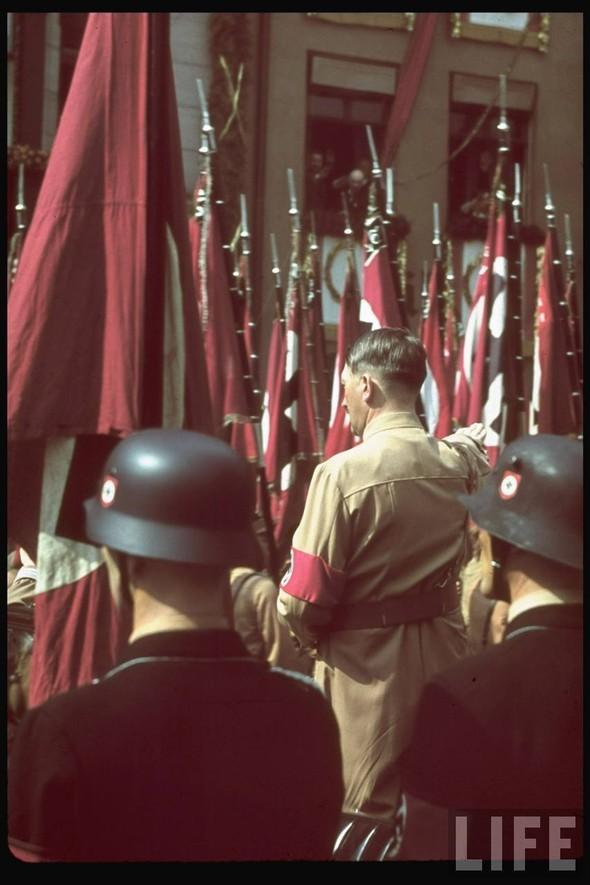 100 цветных фотографий третьего рейха. Изображение №87.