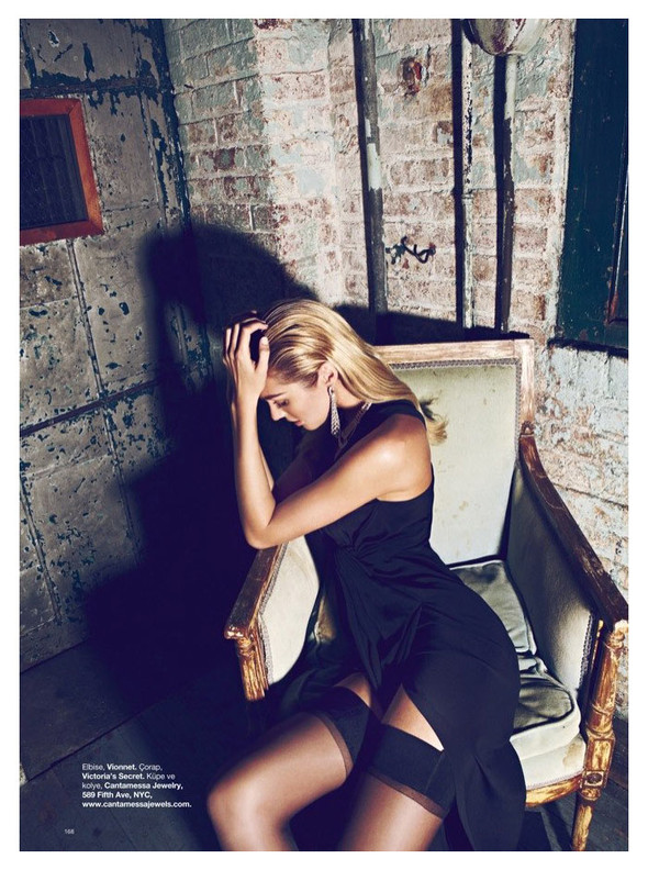 Съёмка: Кэндис Свейнпол для Harper's Bazaar. Изображение № 2.