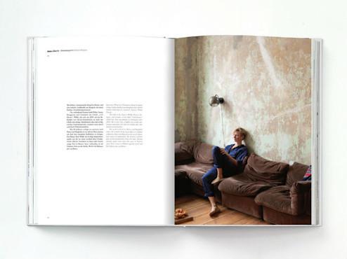 10 альбомов о современном Берлине: Бунт молодежи, панки и знаменитости. Изображение №14.
