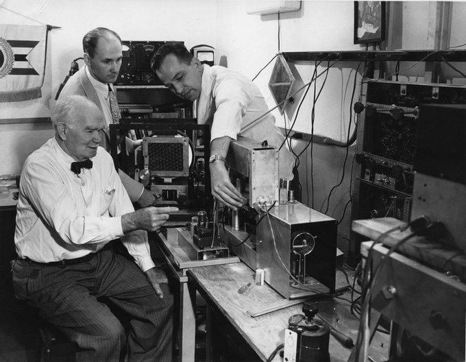Ли Форест, по мнению многих, «отец радио»; работал в Федеральной телеграфной компании. Изображение № 10.