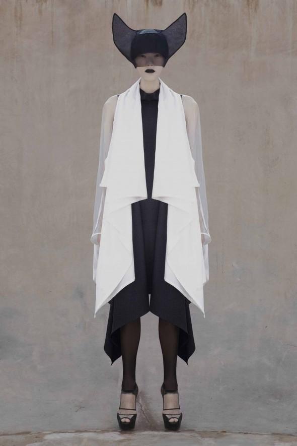 Японский минимализм в одежде – кошечки от Max Tan. Изображение № 15.