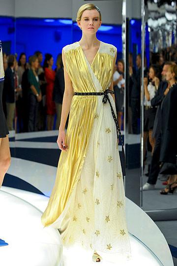 Модный дайджест: Джеймс Франко для Gucci, сари Hermes, сингл Burberry. Изображение № 6.