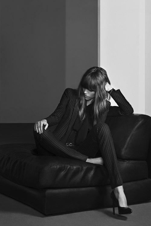 Вышли новые кампании Chanel, JNBY и Saint Laurent. Изображение № 74.