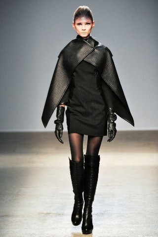Back to black : Gareth Pugh и Victor&Rolf aw 2010-2011. Изображение № 4.