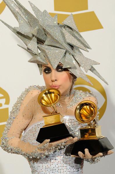 Очередные метаморфозы Lady Gaga. Изображение № 23.