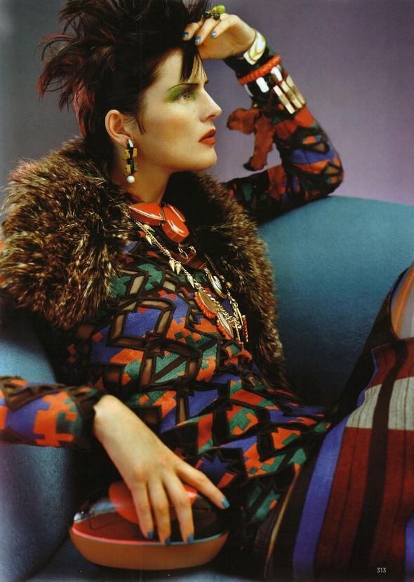 Съёмка: Стелла Теннант для британского Vogue. Изображение № 6.