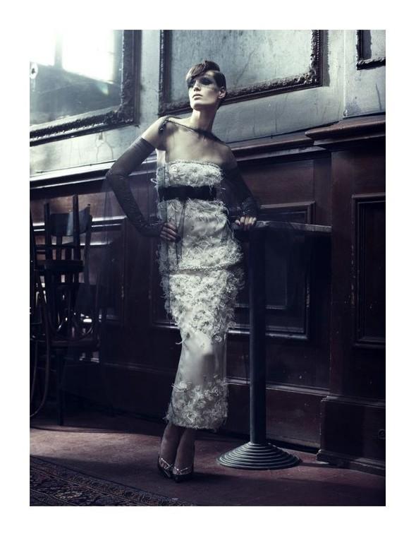 Съемка: Айрис Штрубеггер для немецкого Vogue. Изображение № 2.