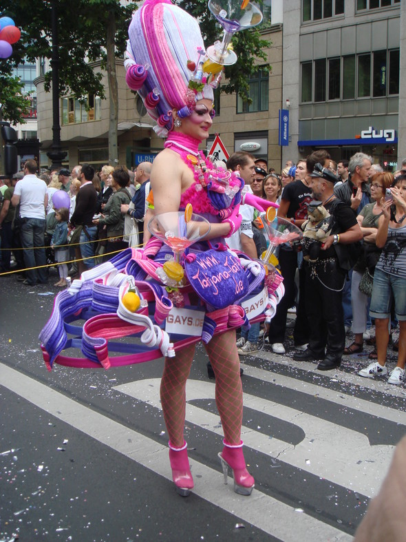 "Парад секс-меньшинств ""Cristopher Street Day"" вБерлине. Изображение № 3."