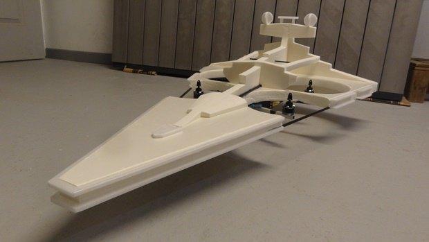 Энтузиаст собрал дрон в виде имперского крейсера. Изображение № 31.