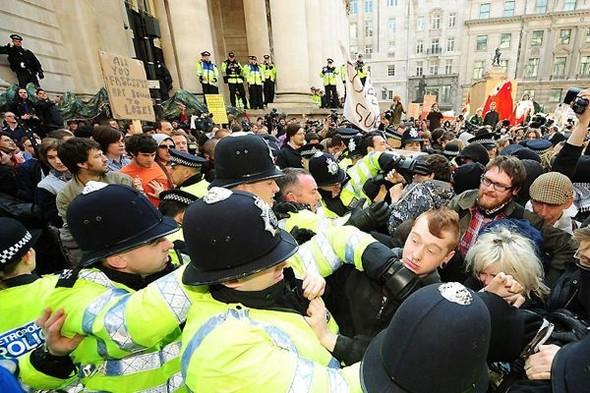 Лондон. Митинг. Изображение № 6.