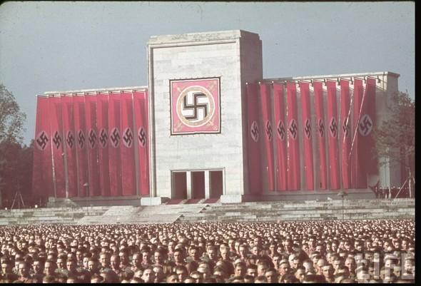 100 цветных фотографий третьего рейха. Изображение №65.