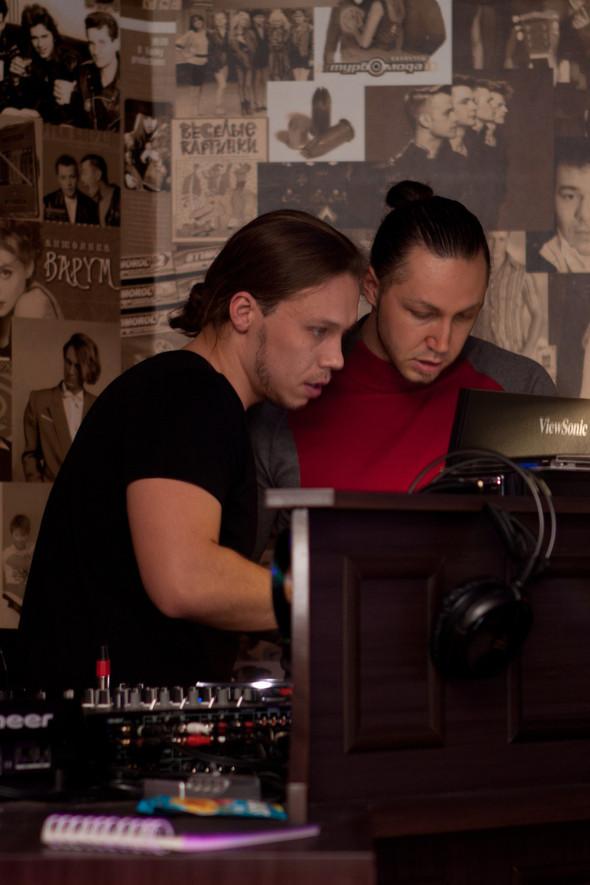 Презентация клипа группы Т9 «На расстоянии любви» в «Руки Вверх bar. Изображение № 16.