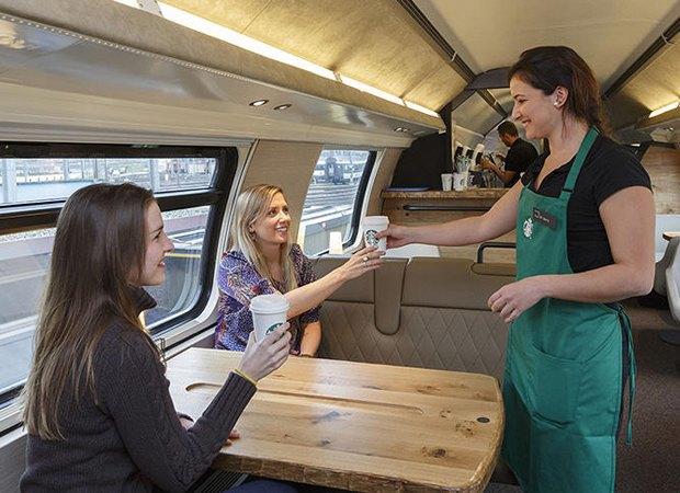 Новый Starbucks откроется в поезде. Изображение № 2.