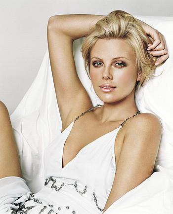 People назвал самых красивых в мире женщин. Изображение № 3.