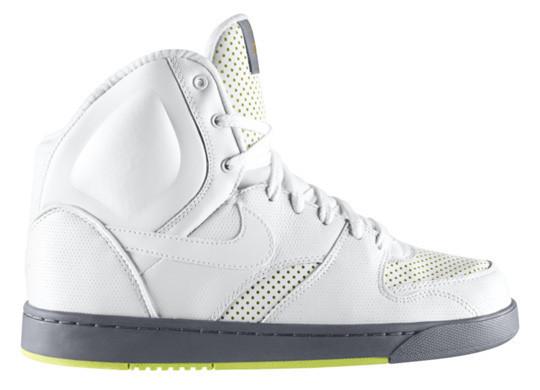 Новые модели Nike: RT1 Premium и Air Royal Mid VT. Изображение № 1.