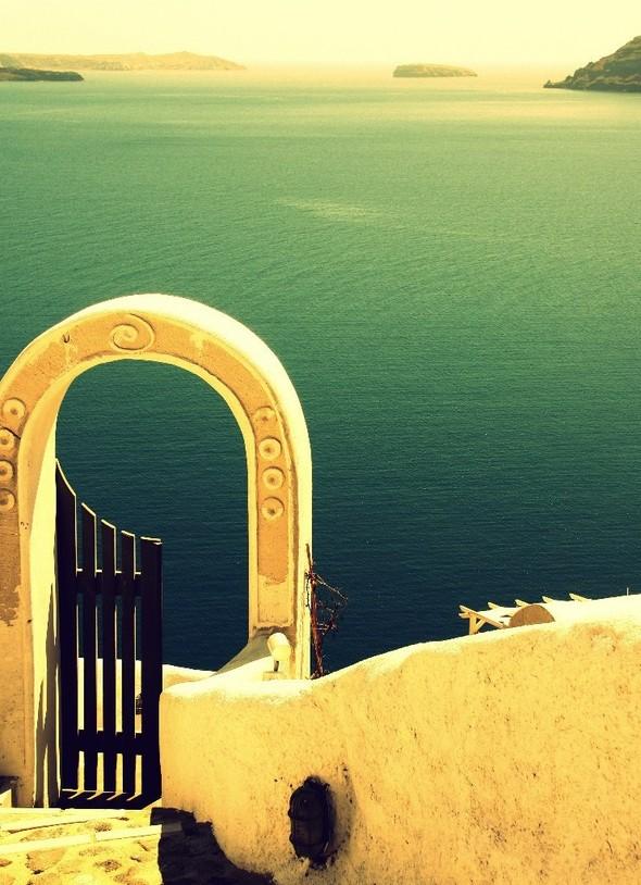 Санторини: Боги, вино и закаты. Изображение № 26.