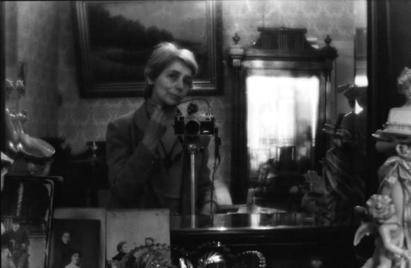 Людмила Таболина. Автопортрет в интерьере. Изображение № 1.