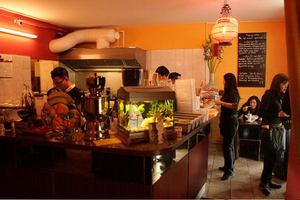 Изображение 13. Берлинские кафе.. Изображение № 19.