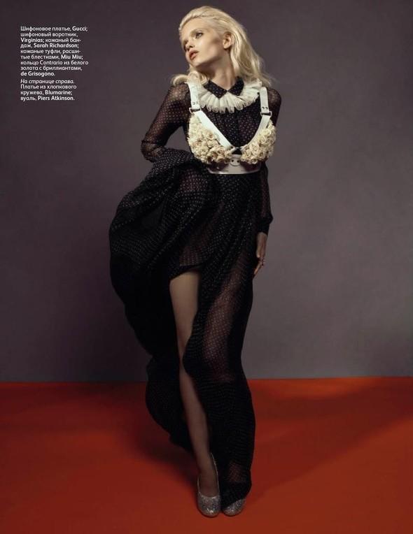 Съёмка: Эбби Ли Кершо для российского Vogue. Изображение № 2.