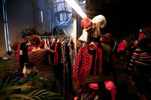 Благотворительная новогодняя fashion-ярмарка. Изображение № 2.