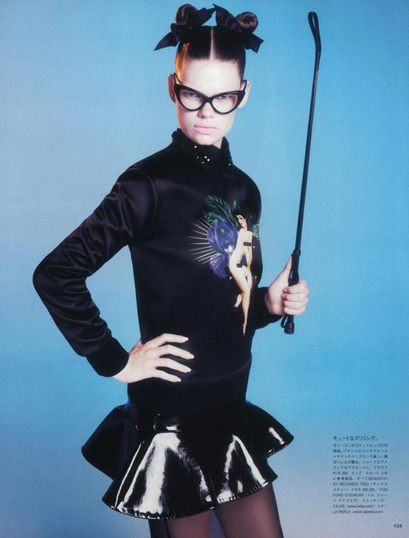 Съёмка: Келли Миттендорф для японского Vogue. Изображение № 8.